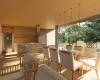 cozinha integrada Às salas residencia terrea contemporânea em Brasília